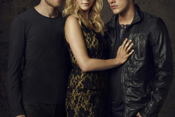 FANGIRL UNLEASHED: Why THE VAMPIRE DIARIES Is Darker Than TRUE BLOOD