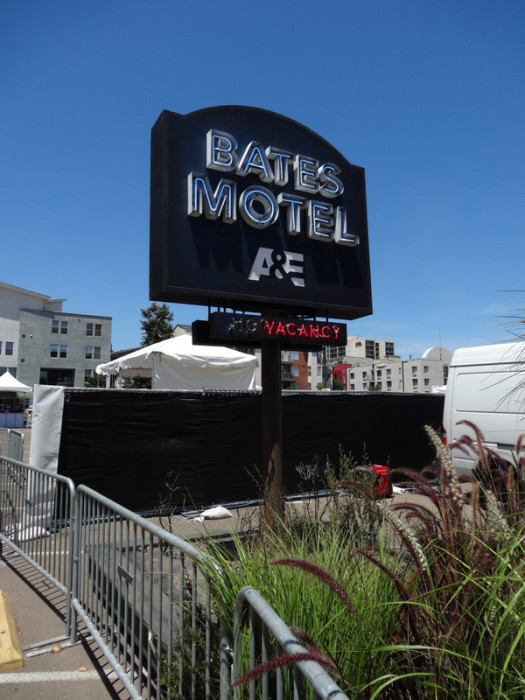Bates Motel Sign SDCC 525x700 SDCC: To The Convention Center... And Beyond!