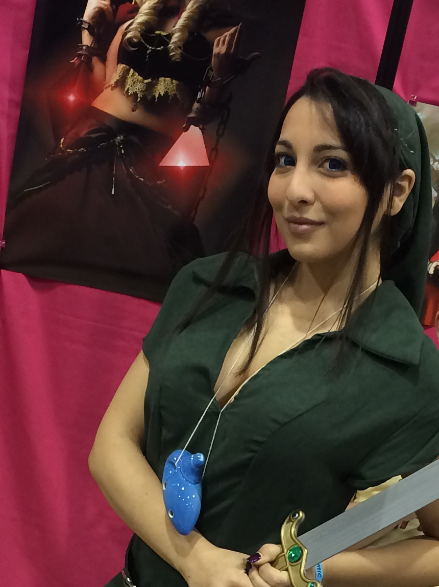 Amanda K dressed as female Link