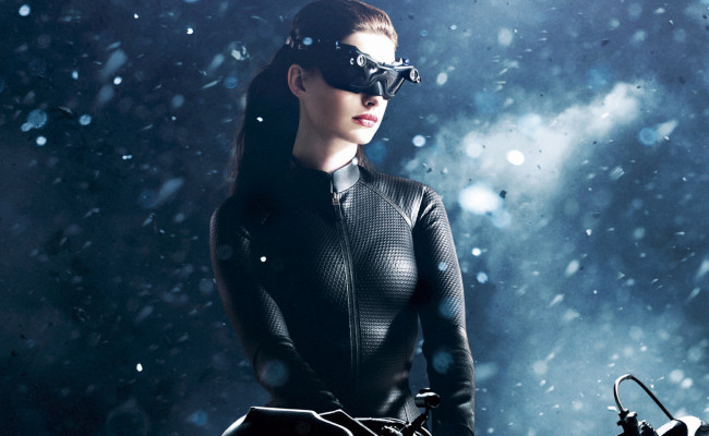Anne Hathaway Wants Her CATWOMAN in BATMAN VS SUPERMAN.  No Thanks