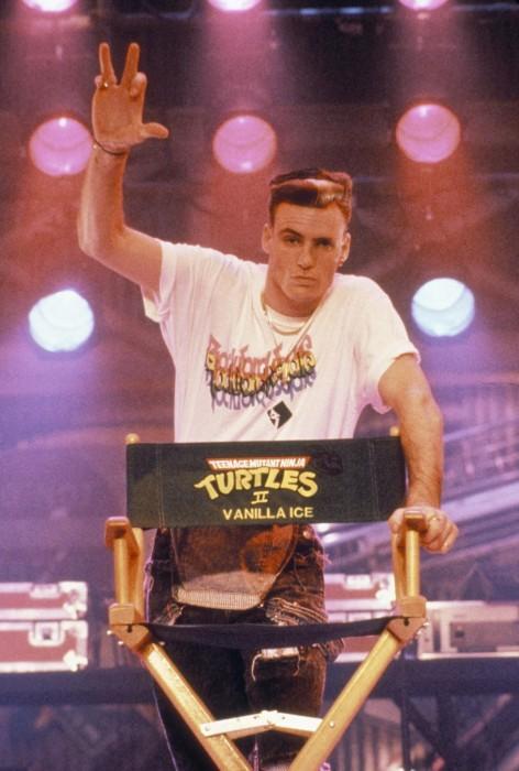 still-of-vanilla-ice-in-teenage-mutant-ninja-turtles-ii--the-secret-of-the-ooze-(1991)-large-picture