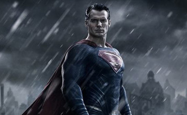 SUPERMAN Debuts New Movie Look, And It's Not Too Different From Before