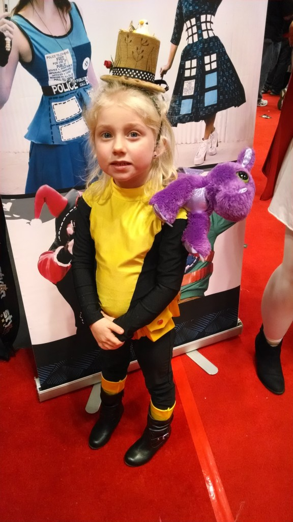 The best Kitty Pryde cosplay, ever! More heroes need that hat!