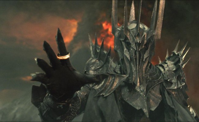 SARUMAN vs SAURON Is Happening!!!  Tolkien Totally Would've Wanted This!
