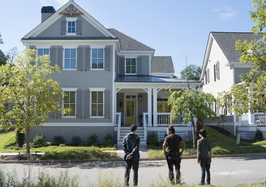 the-walking-dead-episode-512-rick-lincoln-carl-riggs-935-1