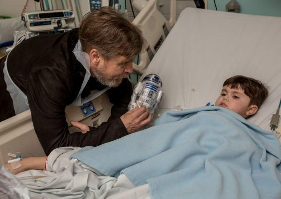 Mark Hamill ditches STAR WARS FORCE AWAKENS promo to visit sick children