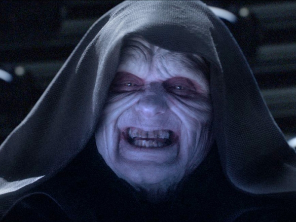 ian-mcdiarmid-as-emperor-palpatine-in-revenge-of-the-sith