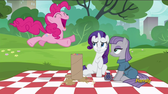Pinkie_Pie_jumping_for_joy_S6E3