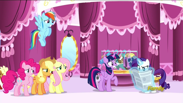 Rarity's_friends_looking_worried_of_Rarity_about_to_read_the_article_S6E9