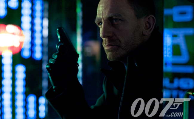First Official Image Of Craig as Bond in Skyfall