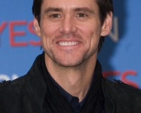 Is UNIVERSAL courting JIM CARREY for KICK-ASS 2?