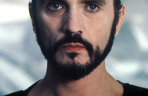 Original GENERAL ZOD Pees, Washes Hands, Then Shocks A Room of Giddy Men