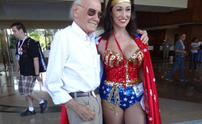 SDCC Picture of the Day: Stan Lee Chilling with Wonder Woman