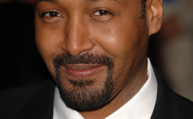 Law And Order's Jesse L. Martin Joins THE FLASH Pilot