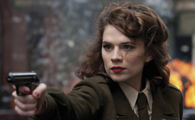 Peggy Carter Sneaks Into AGENTS OF SHIELD Before AGENT CARTER Premieres