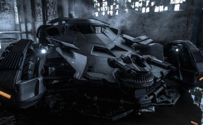 Break Out The Guns! Zack Snyder Debuts BATMAN V SUPERMAN Batmobile