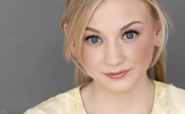 Emily Kinney comes to THE FLASH